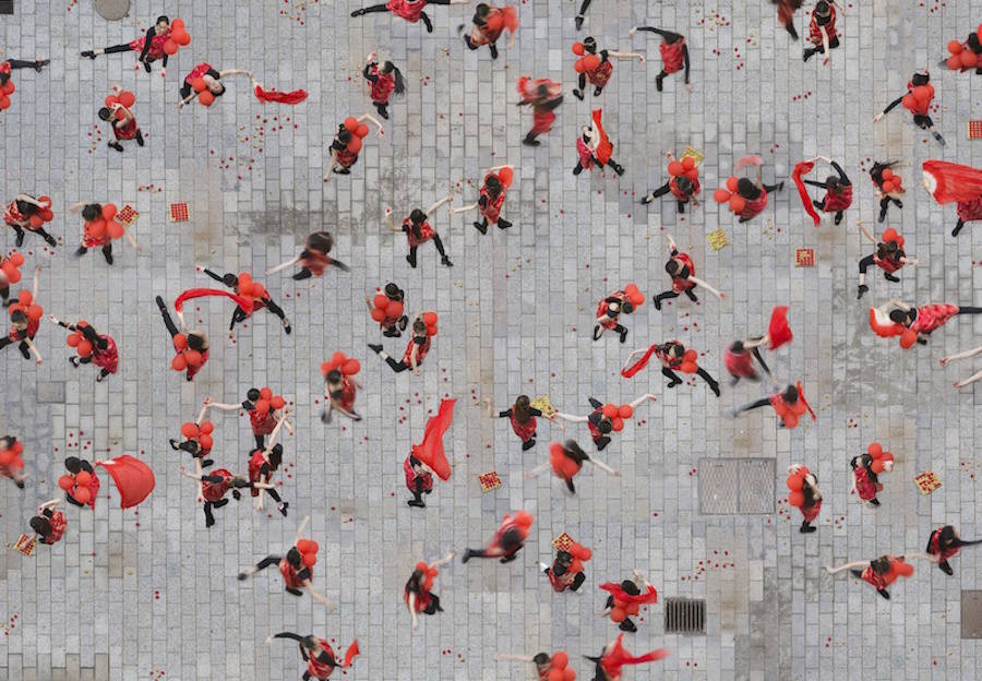 aerial-photography-of-united-people-11-900x624