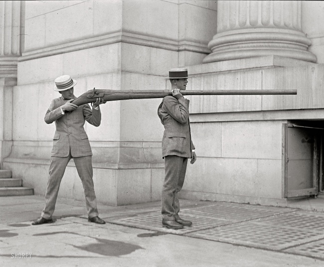 a-gun-used-for-duck-hunting-early-20th-century