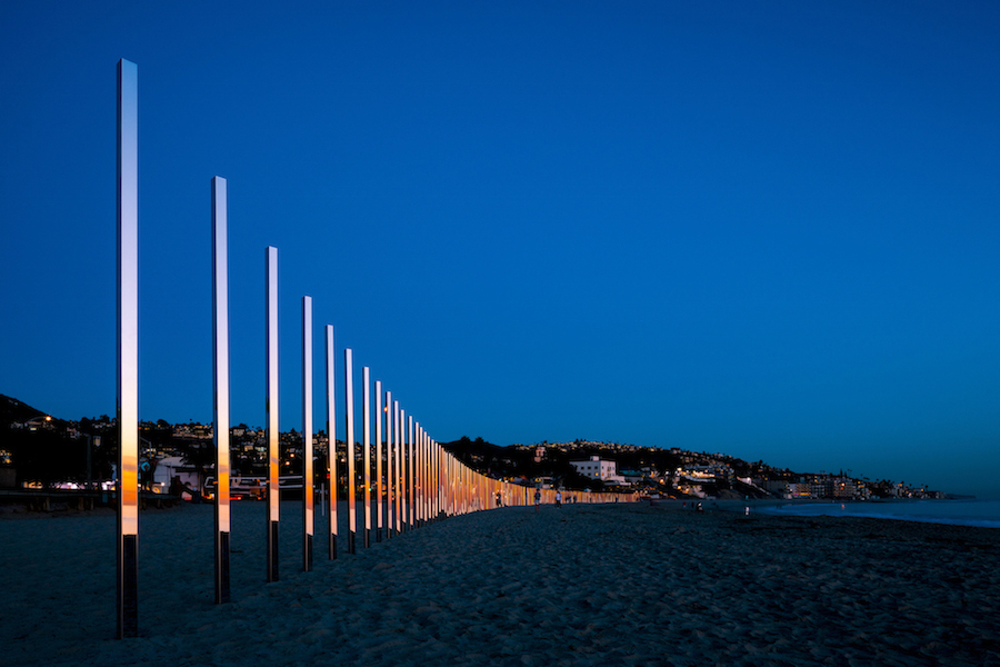 majestic-installation-made-of-250-mirrors-in-california-1