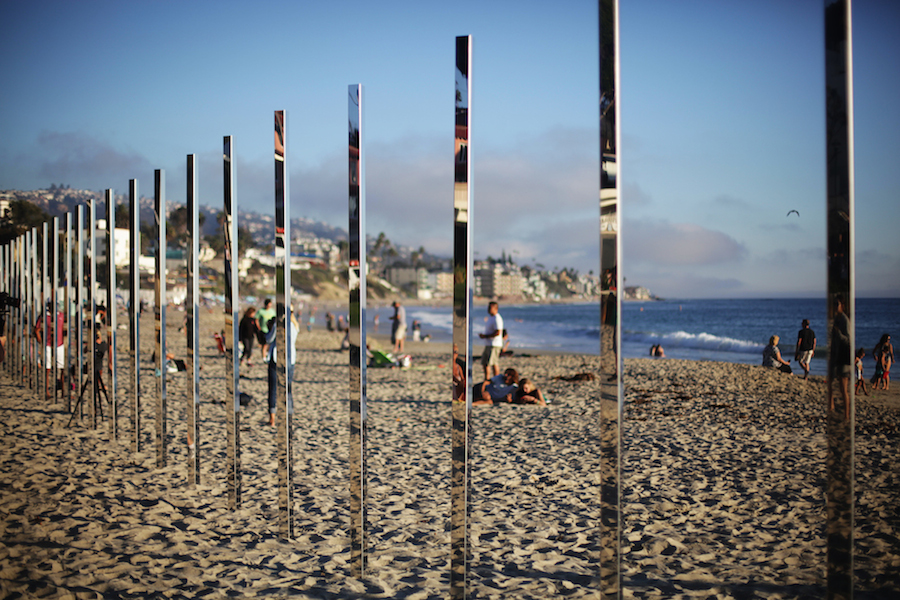 majestic-installation-made-of-250-mirrors-in-california-6